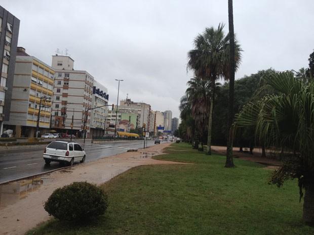 Frio e chuva em Porto Alegre nesta sexta-feira (21) (Foto: Vinícius Rebello/G1)