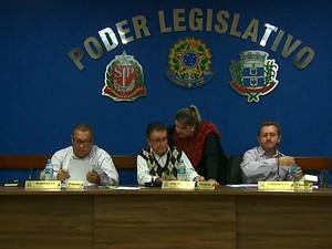 Câmara Municipal de Nova Europa foi contra reajuste (Foto: Marlon Tavoni/EPTV)
