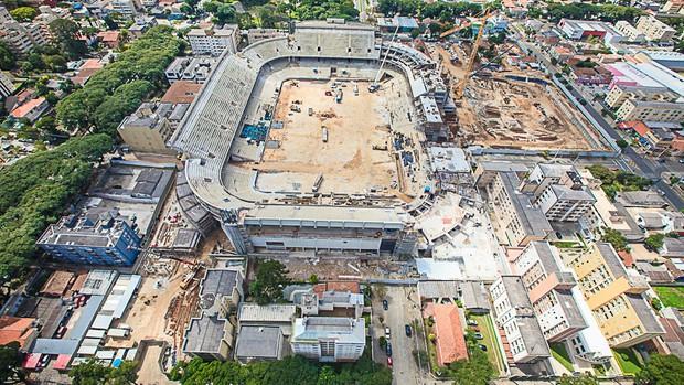 Obras na Arena da Baixada, estádio do Atlético-PR, em 18 de abril (Foto: Site oficial do Atlético-PR/Divulgação)