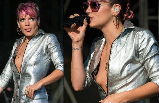 Uepa! Lily Allen deixou a jaqueta aberta demais durante sua apresentação no V Festival, em agosto, na Inglaterra, e acabou deixando os seios completamente à mostra. (Foto: Getty Images)