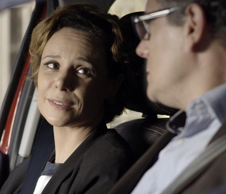 Ana pensa em ajudar a cantora financeiramente (Foto: TV Globo)