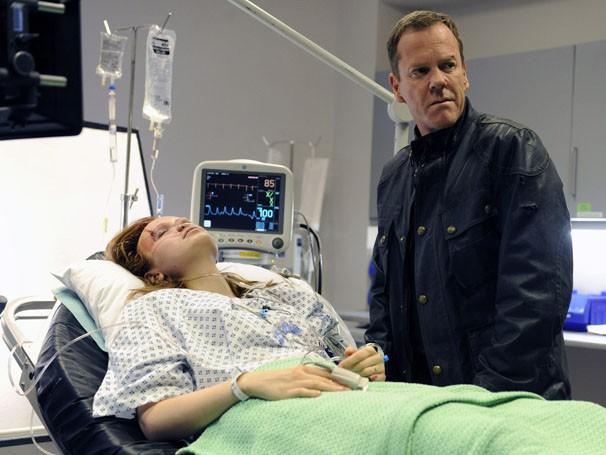 Jack chega ao hospital para falar com Simone (Foto: Twentieth Century Fox )