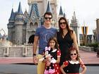 Rodrigo Faro comanda a bagunça com as filhas durante viagem de férias