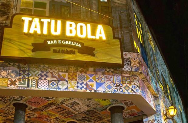 """Jovem relata assédio e agressão em tradicional bar em São Paulo: """"Derem a entender que a culpa foi nossa"""""""