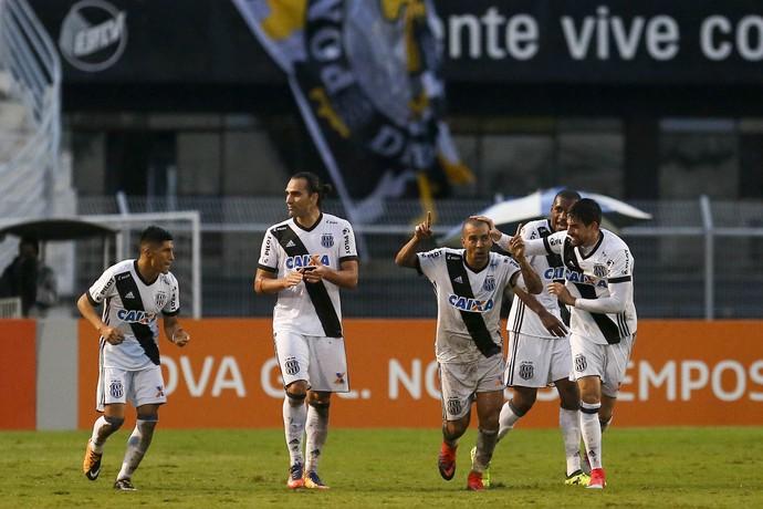 Emerson Sheik Ponte Preta x Botafogo (Foto: Agência Estado)