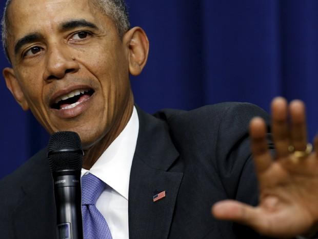 Barack Obama participa de discussão sobre reforma do sistema judiciário criminal na Casa Branca, em Washington, na quinta (22) (Foto: Reuters/Kevin Lamarque)