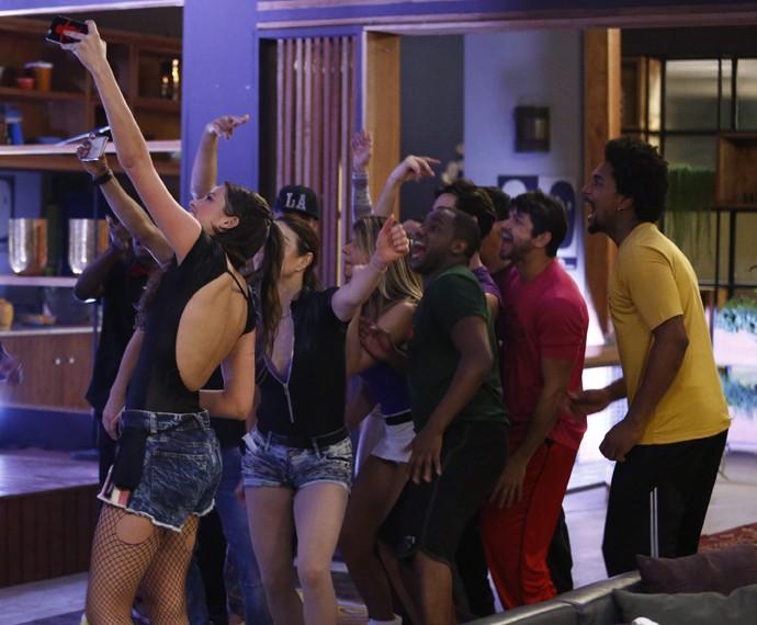 Selfie? Teve sim! (Foto: Raphael Dias / Gshow)