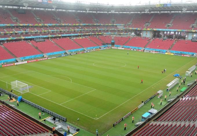 chuva gramado arena pernambuco Alemanha e EUA (Foto: Lucas Liausu)