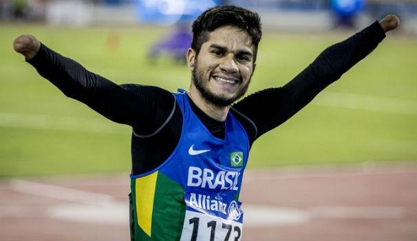 Yohansson Nascimento conquistou ouro no 200 metros e prata no 100m (Foto: Daniel Zappe/MPIX/CPB)