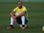 Alecsandro volta, e Cuca relaciona 19 jogadores contra o Botafogo-PB