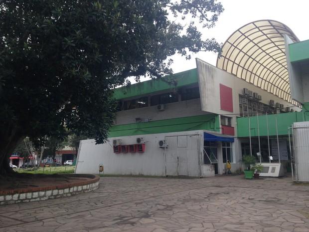 Praça Júlio de Castilhos fica em frente à Prefeitura de Viamão (Foto: Rafaella Fraga/G1)