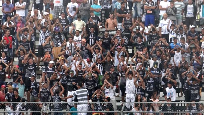 Torcida do ASA (Foto: Leonardo Freire/GloboEsporte.com)