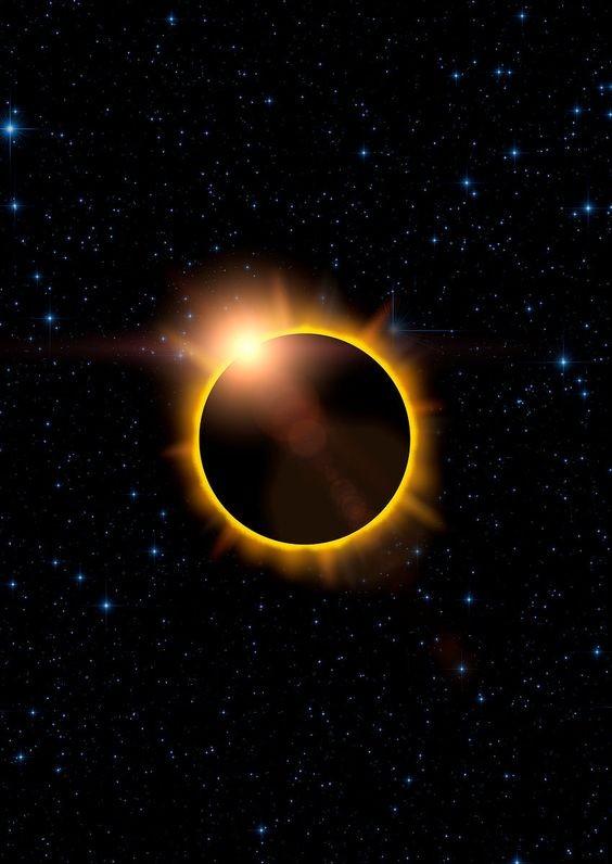 Agosto é marcado por um Eclipse no dia 21 (Foto: Pinterest/Reprodução)
