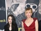 Courtney Love e filha vão à première de documentário sobre Kurt Cobain