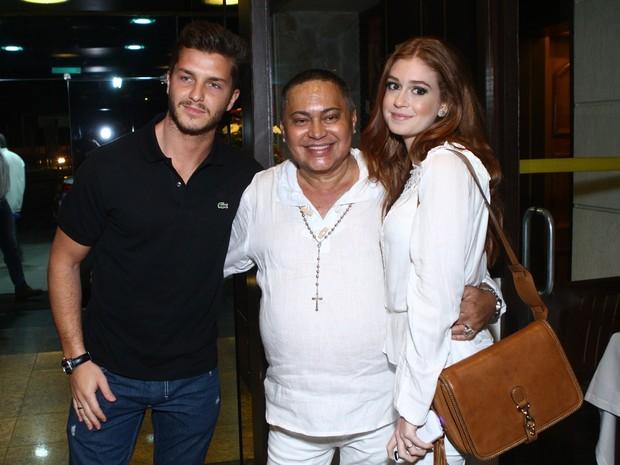 Klebber Toledo e Marina Ruy Barbosa com Glaycon Muniz em festa no Rio (Foto: Raphael Mesquita/ Foto Rio News)