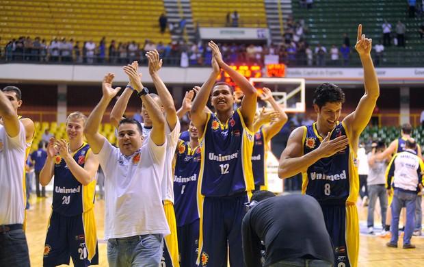 São José basquete comemoração Brasília NBB (Foto: Brito Júnior / Divulgação)