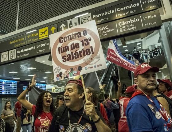 Alguns sindicatos fortes estão contra as reformas.Eles foram ás ruas protestar (Foto: Dado Galdieri/Bloomberg via Getty Images)