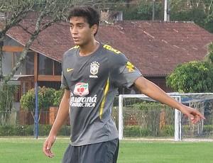 Lucas Zen seleção brasileira sub-20 amistoso madureira (Foto: Gustavo Rotstein/Globoesporte.com)