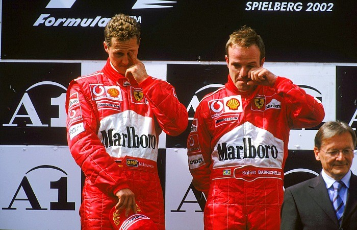 Michael Schumacher e Rubens Barrichello no pódio do GP da Áustria de 2002