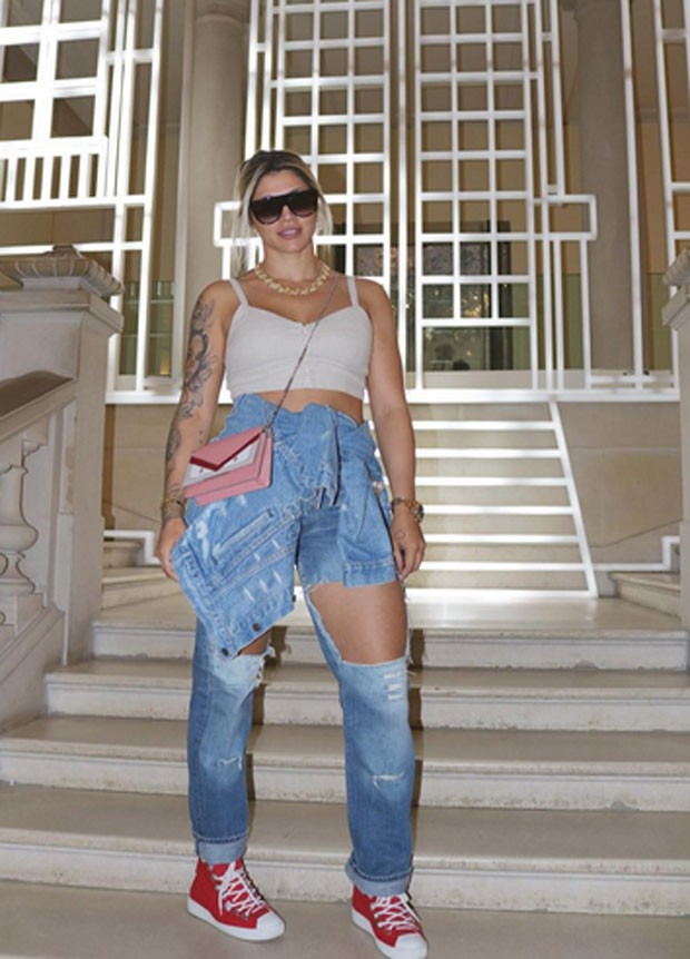 Dani Souza em Paris (Foto: Reprodução)
