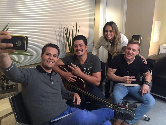 Pedro Leonardo e Aline Lima entrevistaram a dupla sertaneja Geroge Henrique e Rodrigo (Foto: reprodução EPTV)