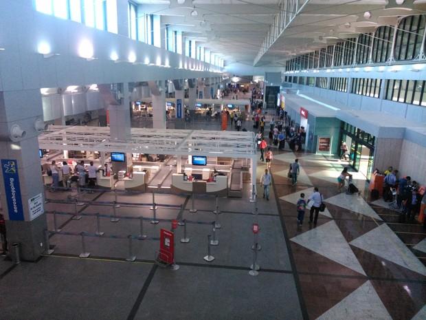 Aeroporto de Salvador começa a receber primeiros turistas da Copa ainda em obras (Foto: Yuri Girardi / G1 Bahia)