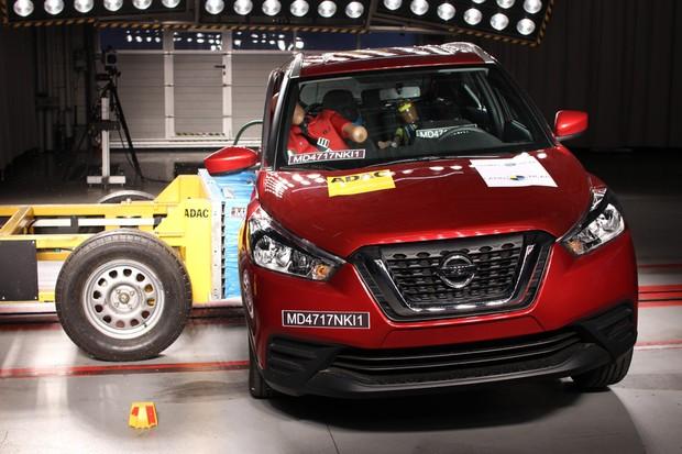 Crash test lateral talvez tivesse sido melhor com a adição de airbags laterais e de cortina (Foto: Divulgação)
