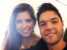 Coladinhos: Andressa e Nasser posam até dentro de avião