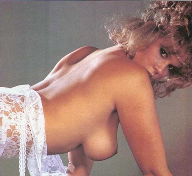 Linda Blair também fez pontas em filmes de baixo orçamento em que aparecia nua (Foto: Reprodução)