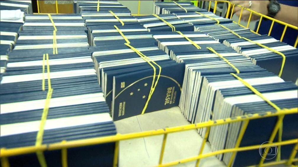 Com emissão de passaportes suspensa no Brasil, PF na Paraíba deixa de entregar 1.500 passaportes por mês (Foto: Reprodução/TV Globo/Arquivo)