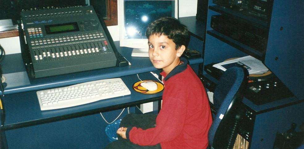 Luan grava suas primeiras músicas (Foto: Arquivo Pessoal)
