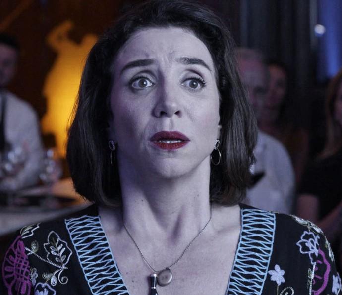 Francesca fica surpresa com pedido de casamento de Rodrigo (Foto: TV Globo)