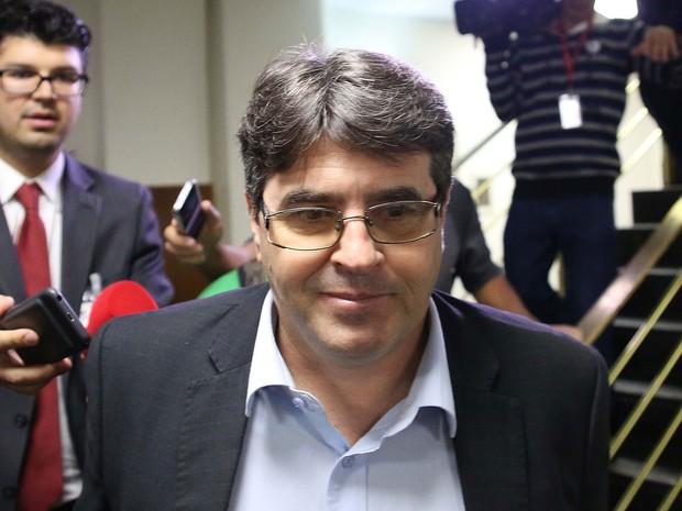 O lobista Marcel Ferreira Julio após depor na CPI da Merenda, na Assembleia Legislativa de São Paulo (SP), na manhã desta terça-feira (11) (Foto: Renato S. Cerqueira/Futura Press/Estadão Conteúdo)