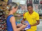 Com crise, comerciante reduz contratação de temporários no interior