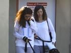 Abatida, Selena Gomez leva seus cachorros ao veterinário