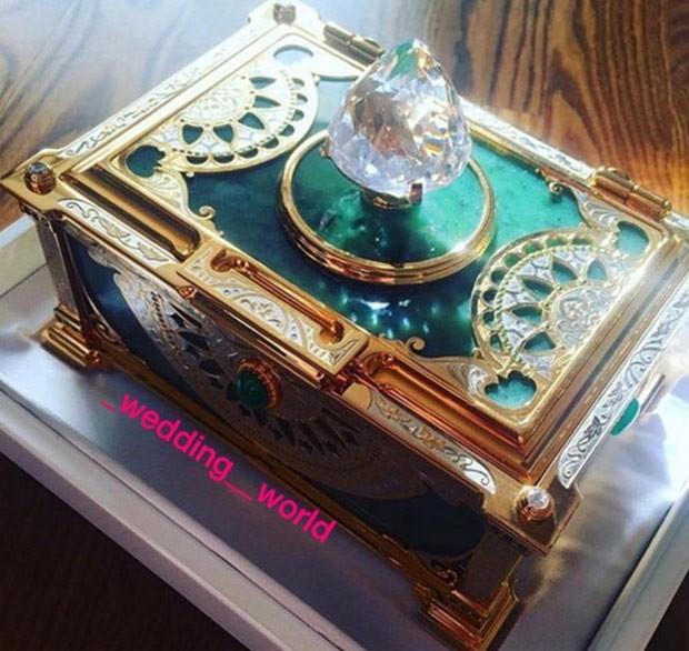 Todos os convidados ganharam uma caixa de joias (Foto: Reprodução/Instagram)