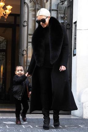 Kim Kardashian e North West (Foto: AKM GSI)