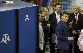 Sem presidente, técnico e Messi: crise no futebol argentino envolve até a Fifa