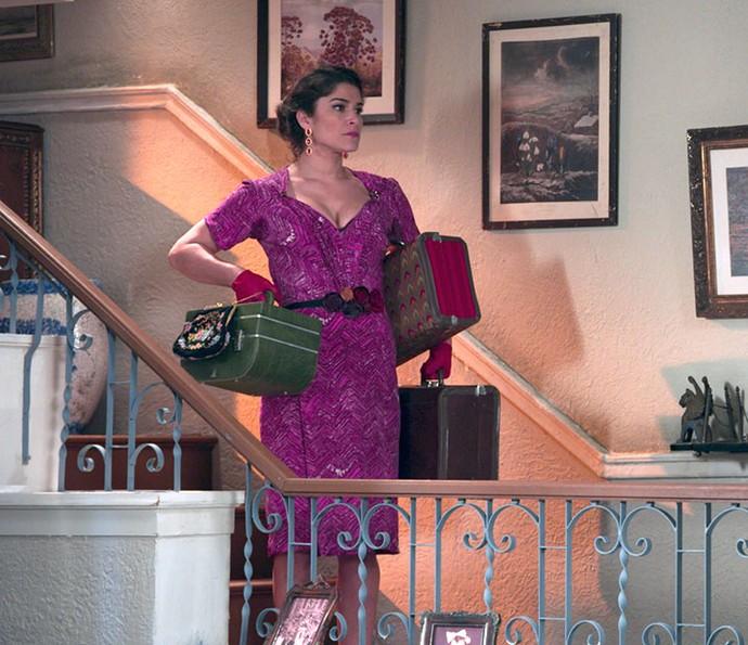 Diana faz as malas e decide ir embora da casa de Severo (Foto: TV Globo)