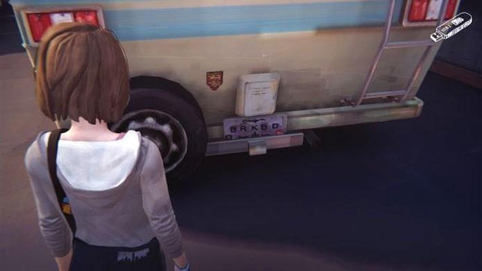 Em Life is Strange, as placas de carro fazem referências a filmes e séries, como Breaking Bad (Foto: Reprodução/Life is Strange Wikia)