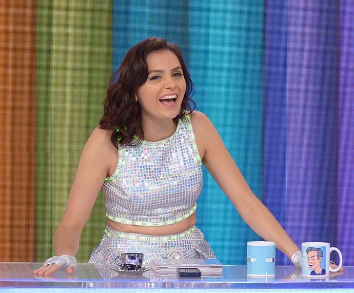 Monica Iozzi dá risada durante o Vídeo Show (Foto: Cristina Cople / Gshow)