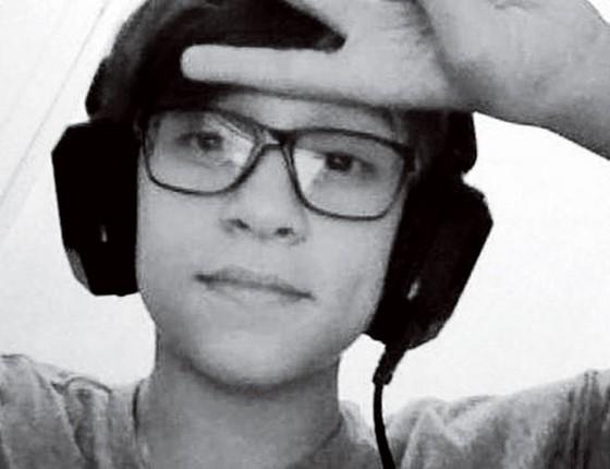 Foto de Gustavo Detter postada numa rede social.Ele morreu no início de outubro talvez vítima do jogo de asfixia  (Foto: Reprodução)
