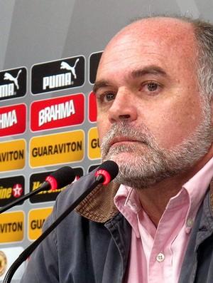 Maurício Assumpção coletiva Botafogo (Foto: Fred Huber)