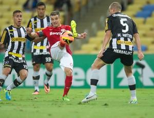 D'Alessandro contra o Botafogo (Foto: Alexandre Lops / Inter, DVG)