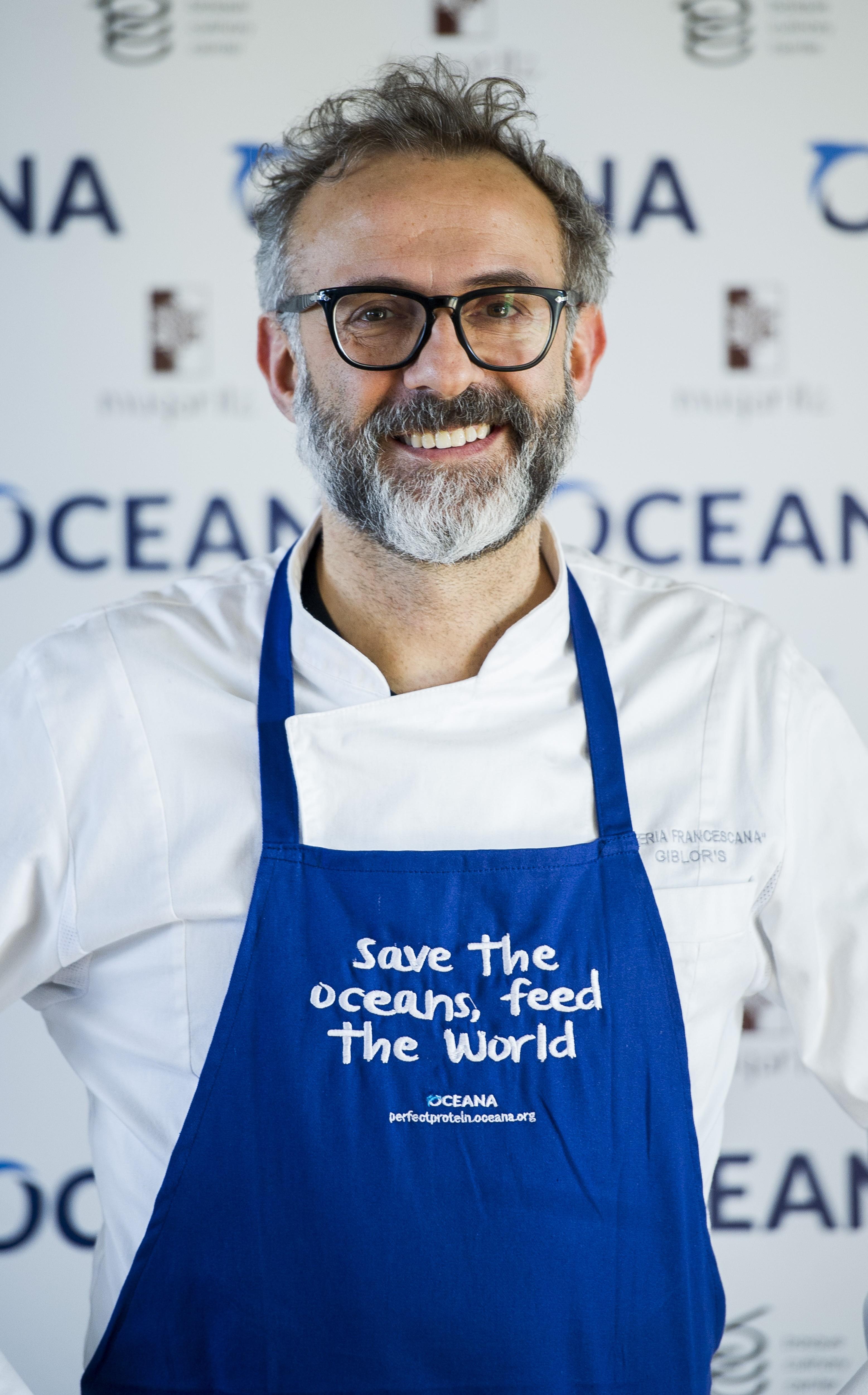 O chef italiano Massimo Bottura vai levar sua organização sem fins lucrativos, a Food for Soul, para os EUA (Foto: Getty Images/  Juan Manuel Serrano Arce)