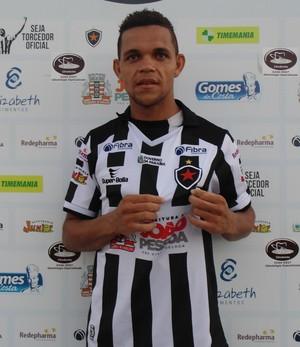 Nildo, zagueiro do Botafogo-PB (Foto: Divulgação / Botafogo-PB)