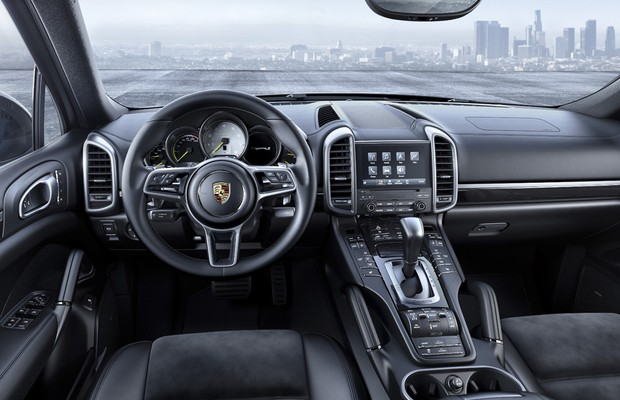 Interior do Porsche Cayenne Platinum Edition (Foto: Divulgação)