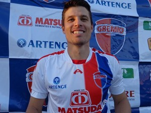 Com cinco acessos, Cenedesi é contratado pelo Grêmio Prudente (Foto: Rogério Mative, Grêmio Prudente / Divulgação)