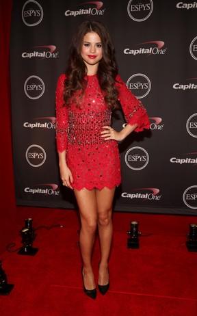 Selena Gomez em premiação em Los Angeles, nos Estados Unidos (Foto: Christopher Polk/ Getty Images/ AFP)