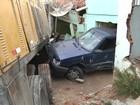 Caminhão desgovernado bate em cinco casas no Agreste da Paraíba